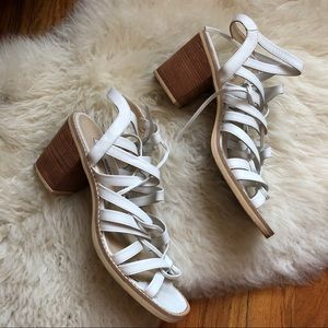 🤍 Steve madden white leather strappy sandals